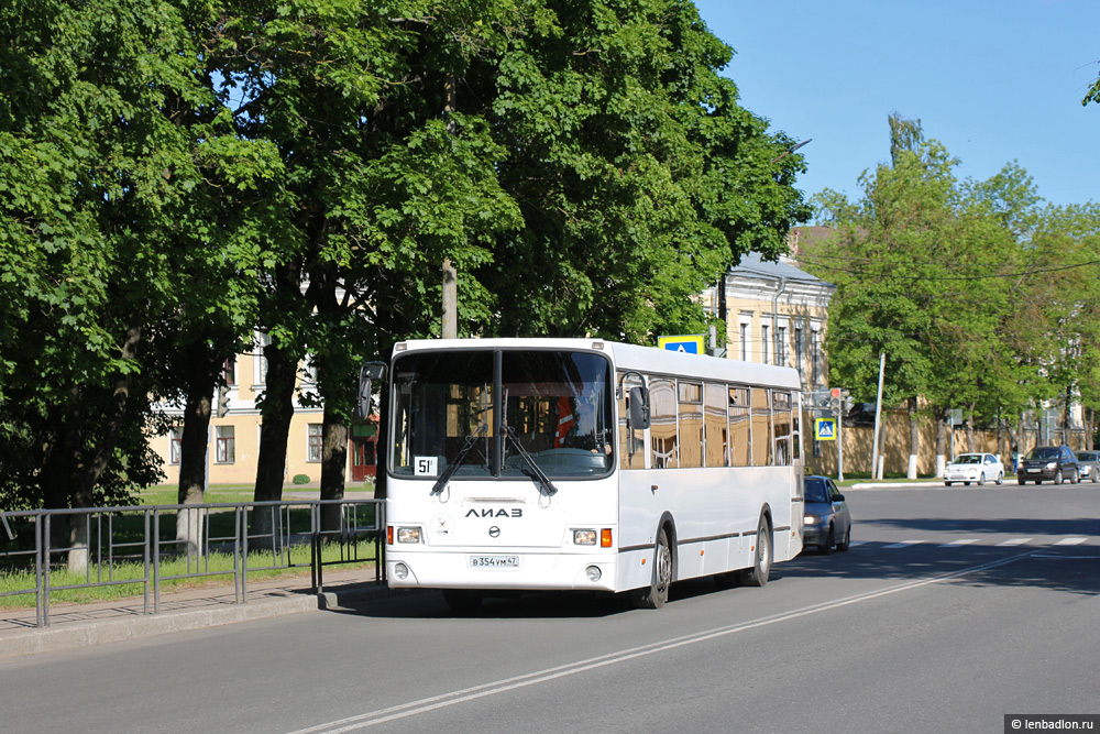 Фото автобуса в Кингисеппе
