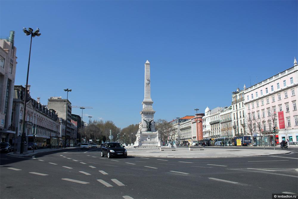 Площадь Рестаурадориш (Реставраторов)