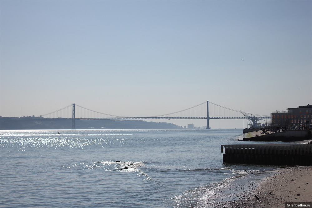 Вид на мост имени 25 апреля