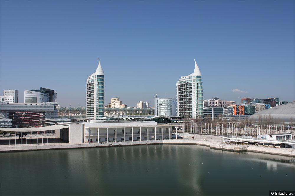 Фото района Экспо 98 в Лиссабоне, Португалия