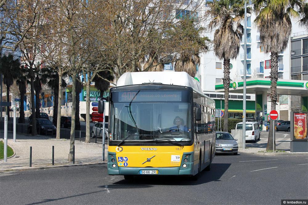 Фото автобуса в Лиссабоне