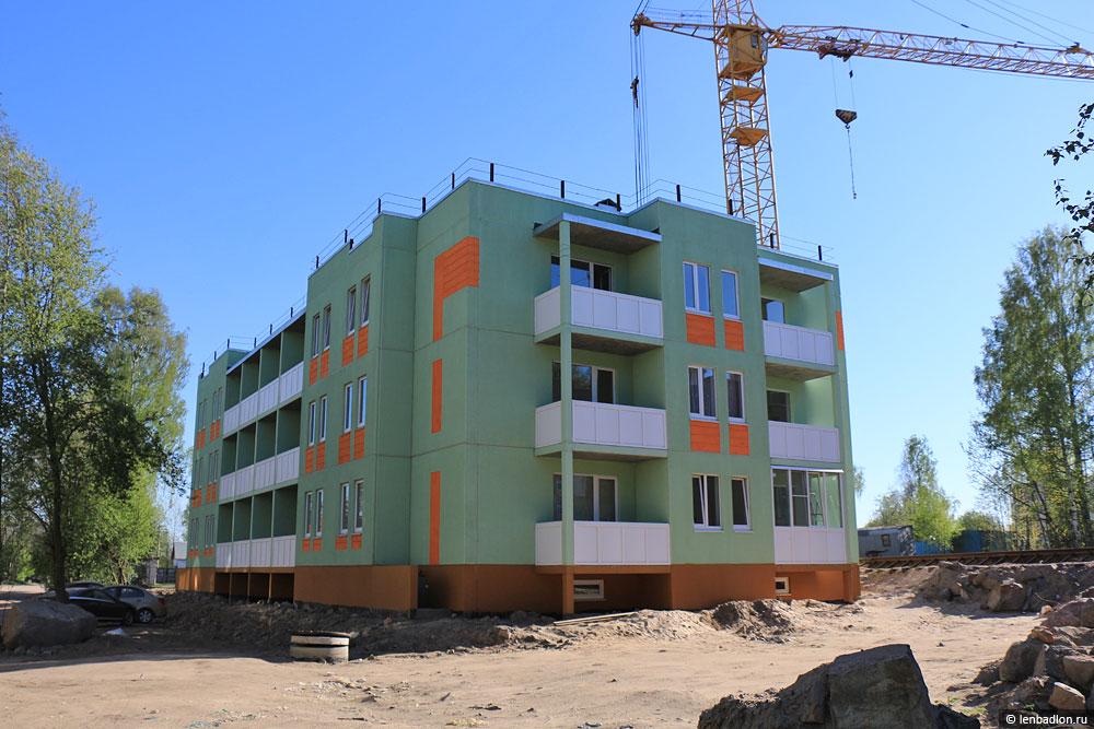 Фото строящегося дома в Приозерске