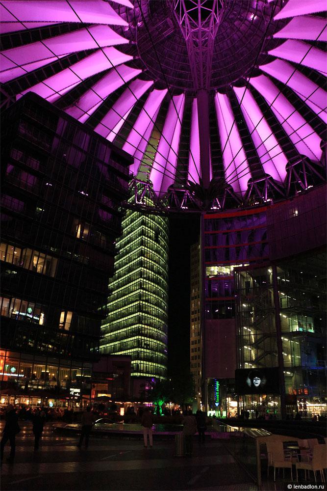 Фото Сони-Центра в Берлине