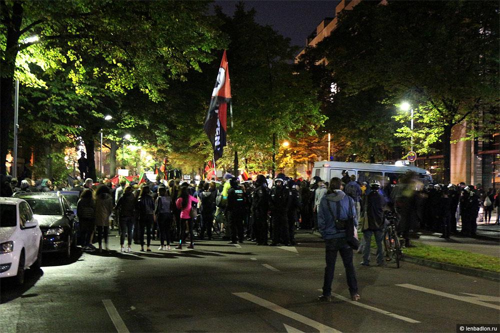 Фото митинга в Берлине