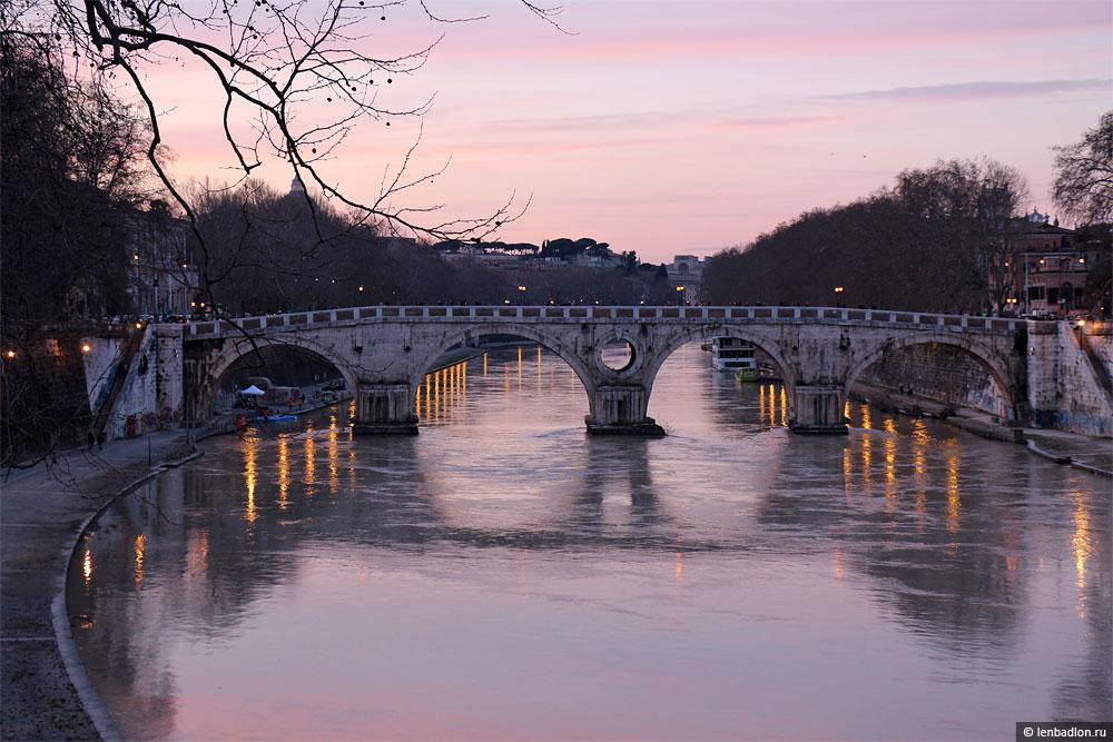 Фото моста на реке Тибр