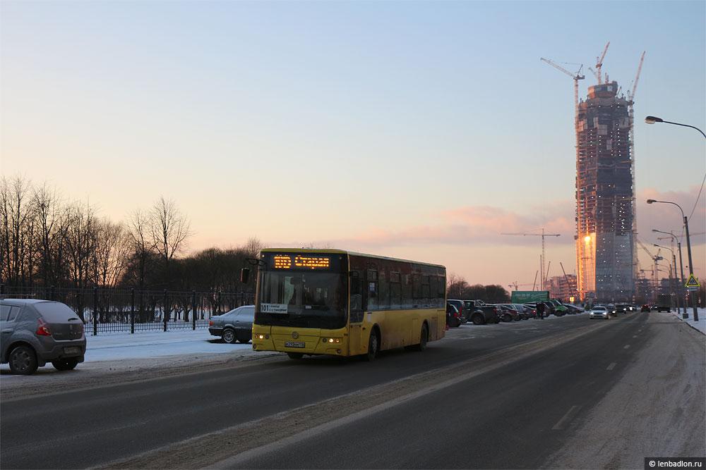 Фото автобуса в Санкт-Петербурге