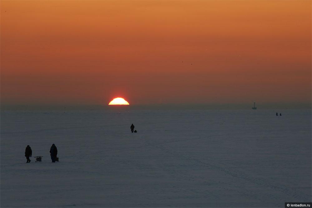 Фото зимнего заката в Санкт-Петербурге