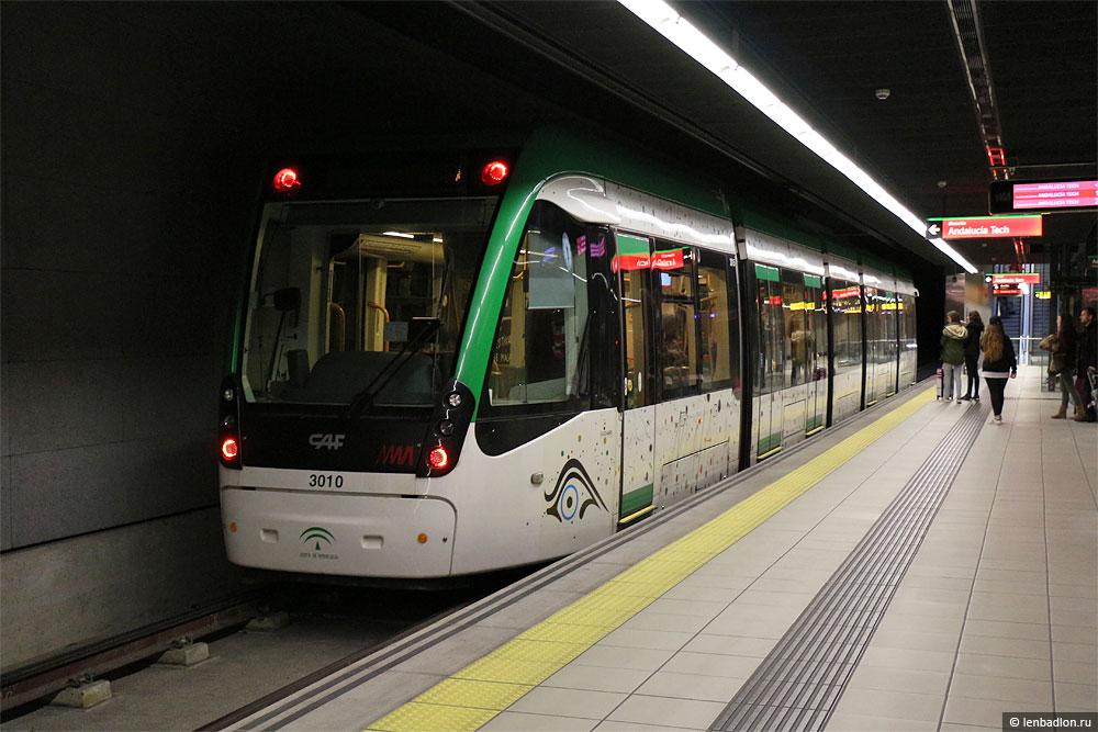 Фото метро в Малаге, Испания