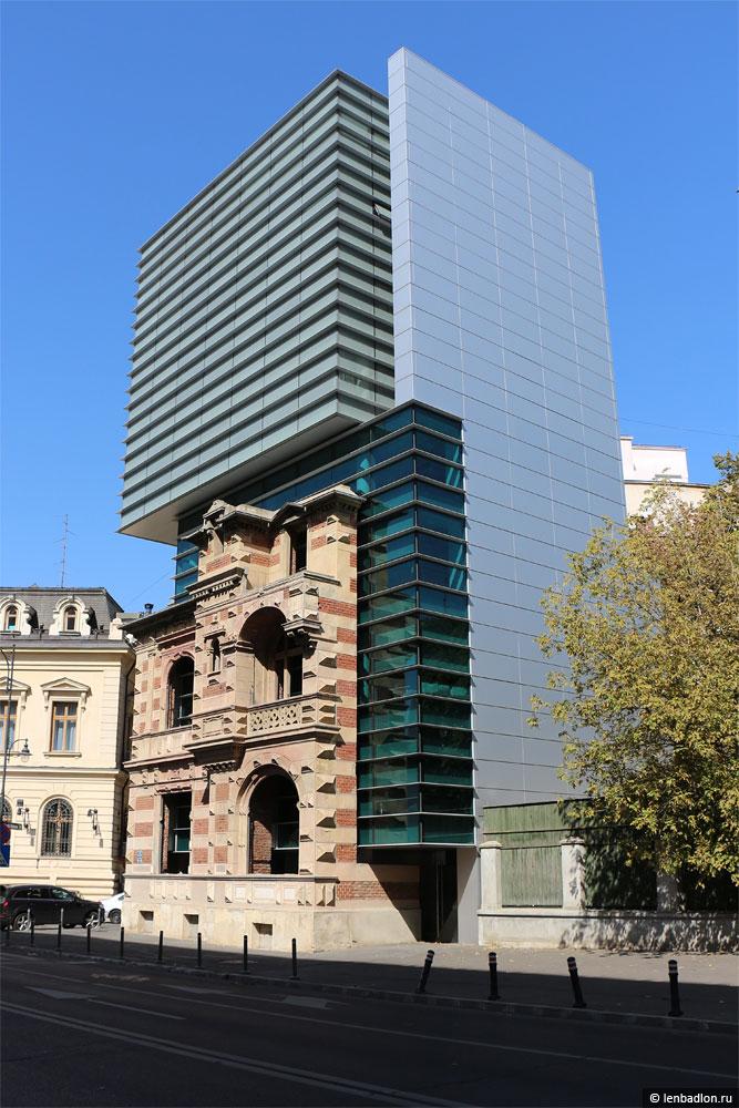 Фото здания в Бухаресте