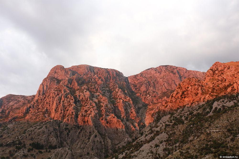 Горы в Которе, Черногория