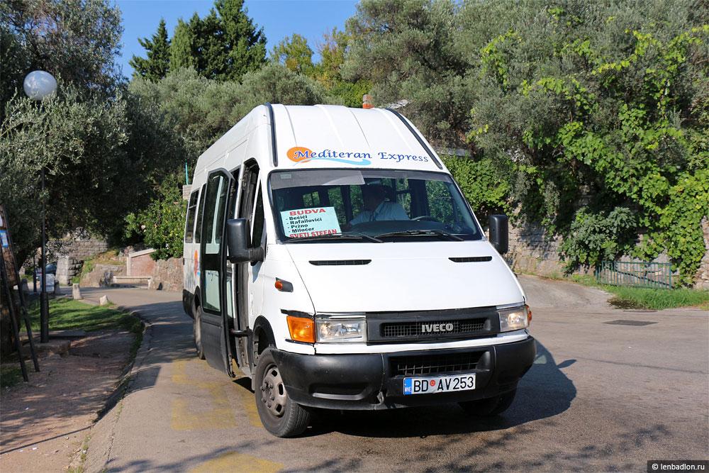 Микроавтобус IVECO Daily маршрута Будва - Свети Стефан