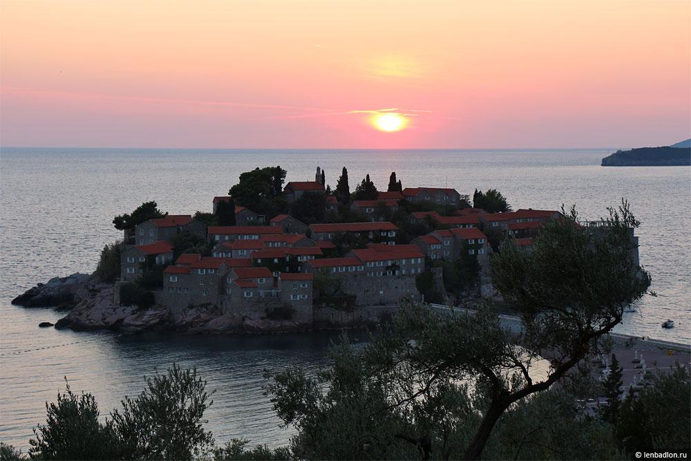 Остров Свети-Стефан фото